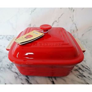 Le Creuset Stoneware Casserole with Lid 3 qt Red
